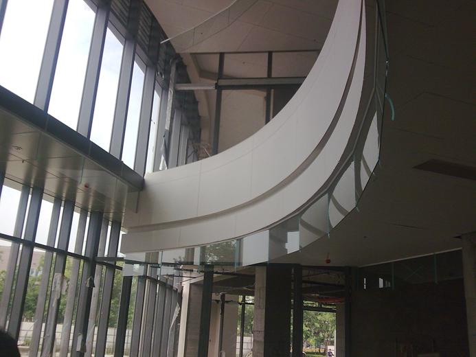 公共空間圓弧形防煙垂壁