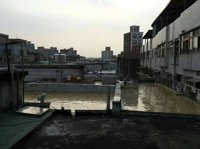 屋頂試水工程