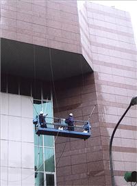 公共電視台大外牆帷幕牆板清洗