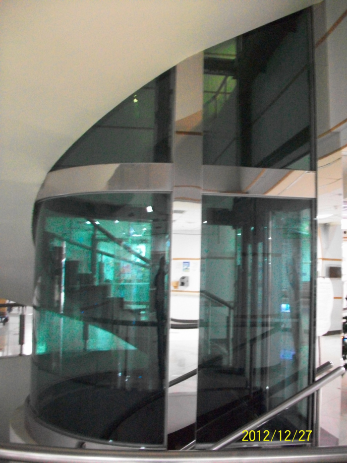 油壓式電梯