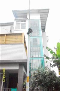鋼索式電梯