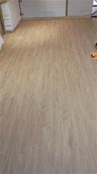 耐磨PVC地磚