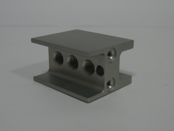CNC中心機加工、CNC模具加工