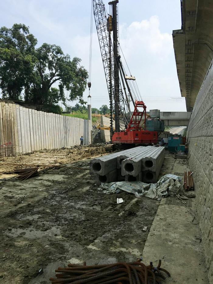 高速公路四角版樁施工
