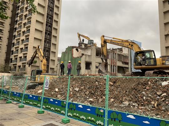 有發工程開發有限公司 - 樣品屋拆除工程