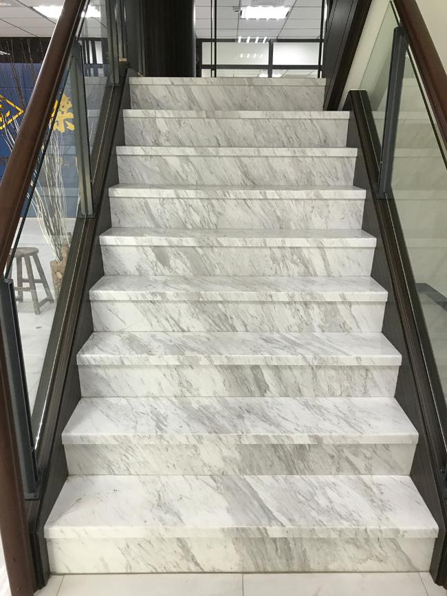 28-銀狐樓梯