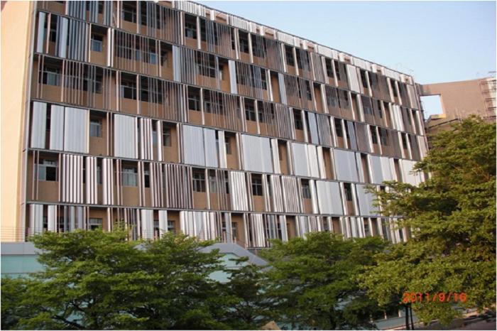 國立彰化師範大學 大型鋁遮陽板,造型雨庇