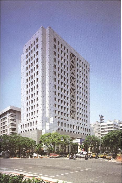 中華電信大樓 預鑄式鋁帷幕