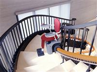 溫馨樓梯升降椅