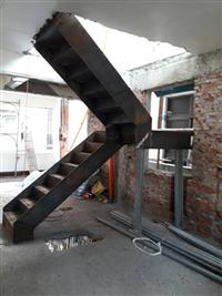 鋼構樓梯工程