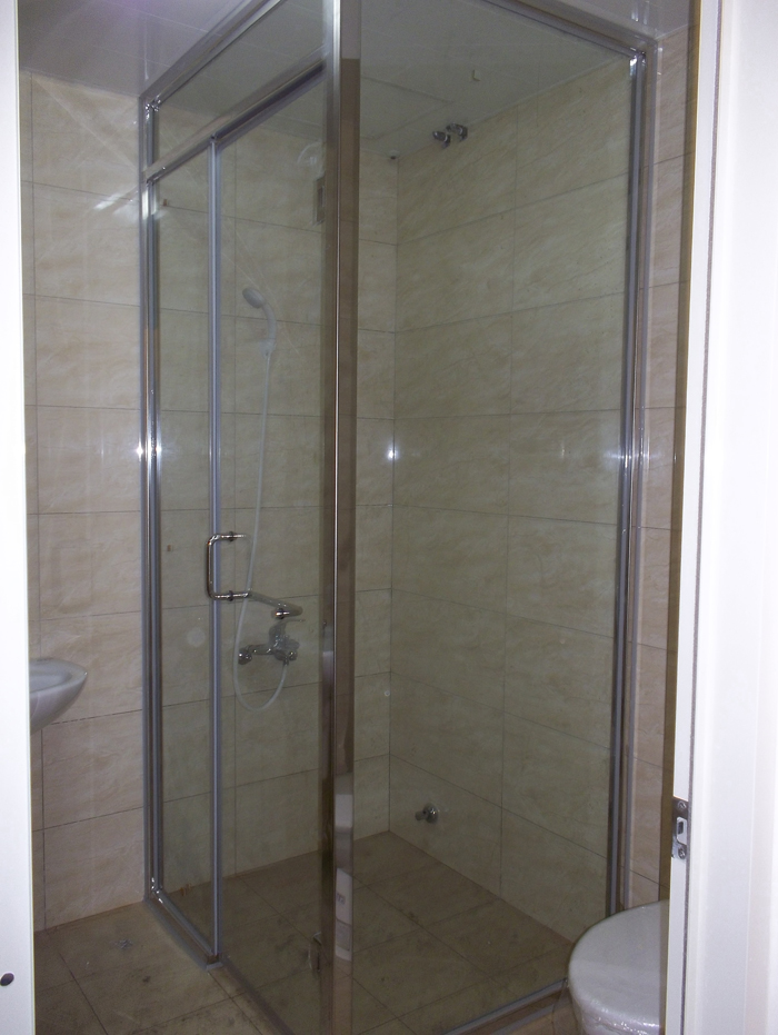 白鐵框浴室後紐門
