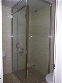 建樹金屬工程有限公司 - 白鐵框浴室後紐門