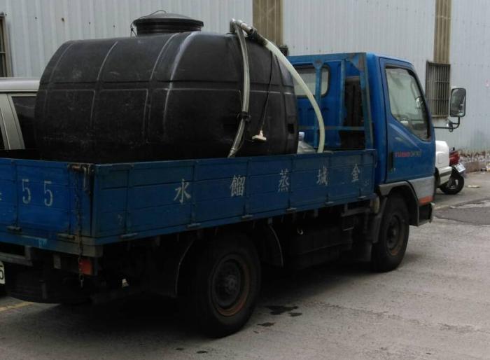金城蒸餾水車
