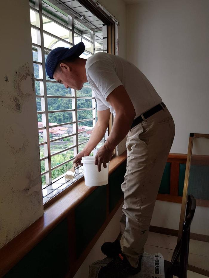 窗台防水粉刷