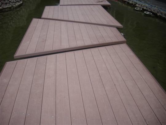 戶外塑木平台、塑膠仿木平台、塑膠仿木欄杆02-8985-0348