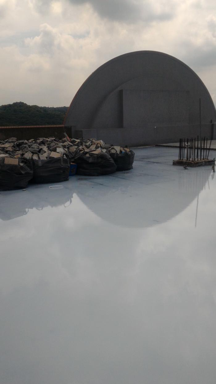 屋頂浸泡防水隔熱工程