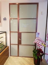 不銹鋼玻璃造型門