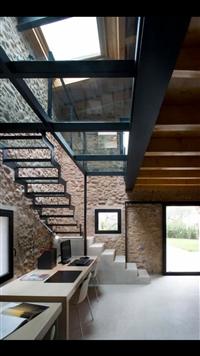 造型玻璃鐵梯