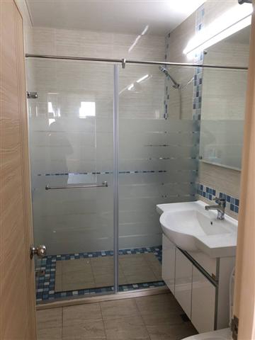 乾溼淋浴玻璃