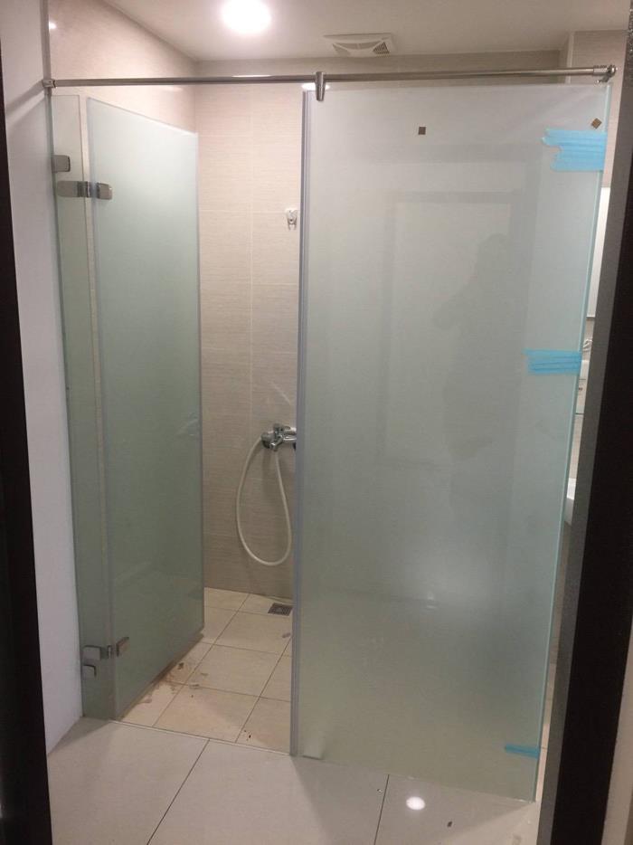 新北市乾溼淋浴玻璃