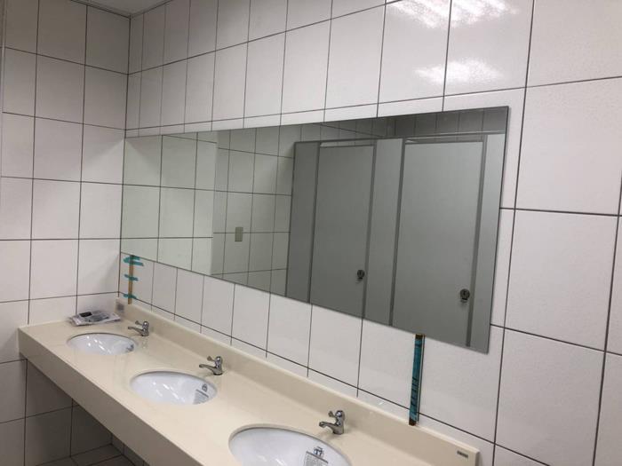 廁所鏡子工程