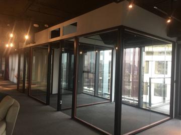辦公室隔間玻璃