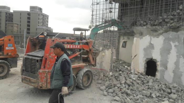 鋼筋混凝土廠房機械拆除