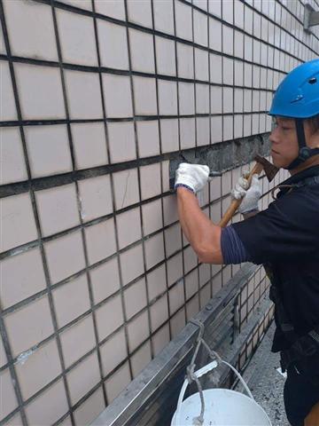 外牆洗窗機吊籠作業