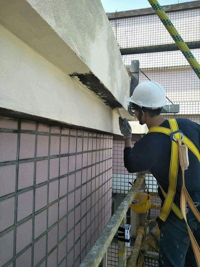 高空外牆粉刷作業