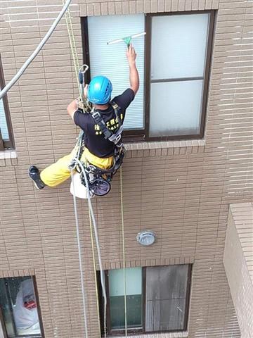 新北市高空外牆吊籠作業