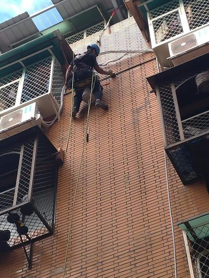 雙繩垂降防水作業