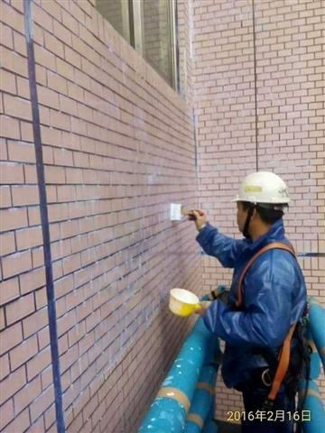 桃園高空外牆吊車作業