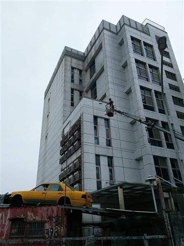 桃園高空外牆雙繩垂降作業