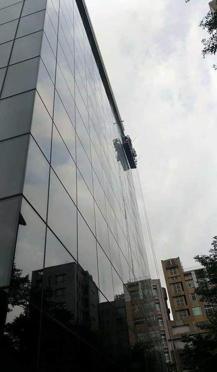 洗窗機吊籠作業