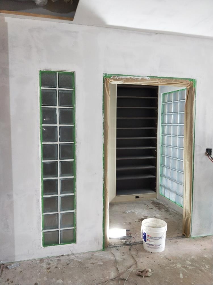 新增玄關搭配玻璃磚