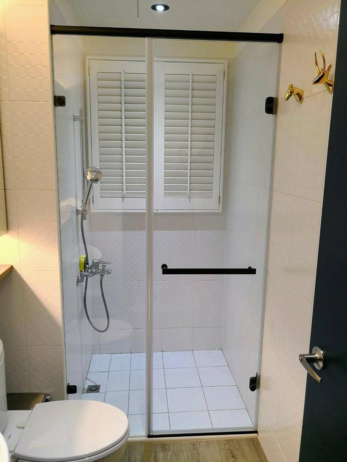 淋浴拉門安裝
