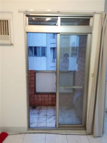 鋁門窗更新