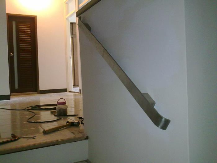 扶壁式扁鐵扶手