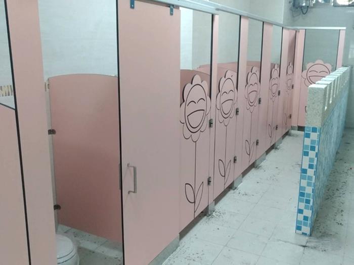 花造型隔間廁所