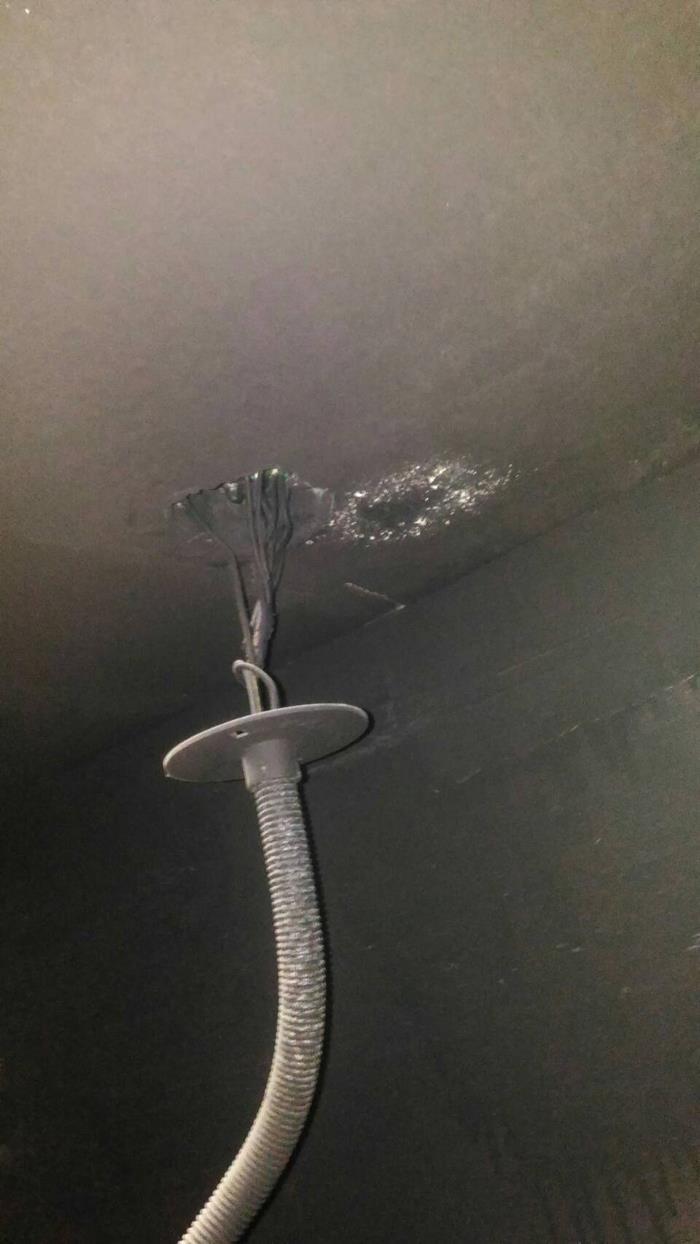 電線管路漏水