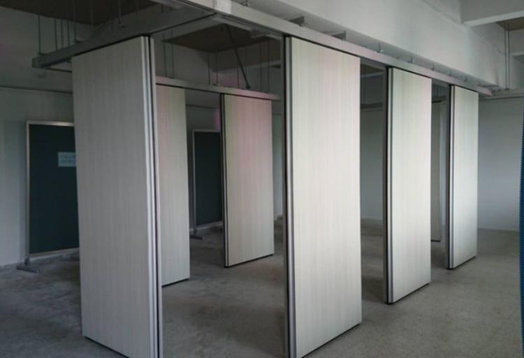 金屬板活動隔屏