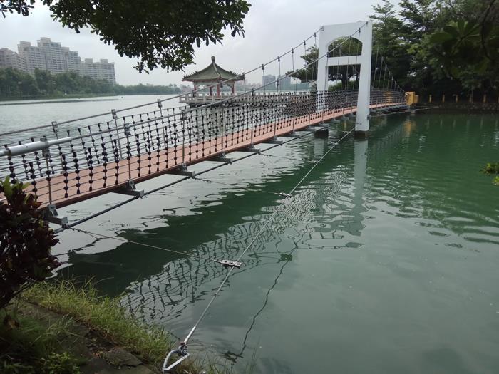 高雄澄清湖富國島吊橋