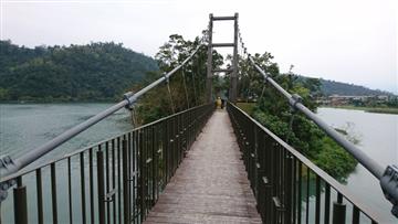 宜蘭梅花湖吊橋、鋼索吊橋