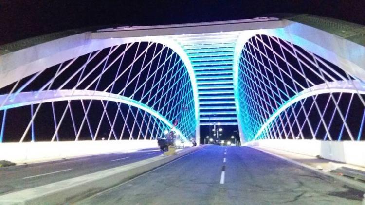 新北市三峽三角湧大橋-LED光雕工程