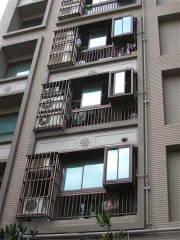 大樓陽台格柵