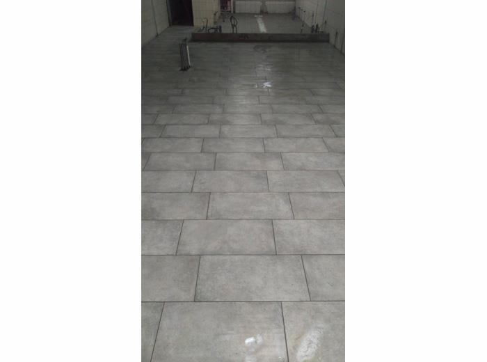 地磚舖設施工-15