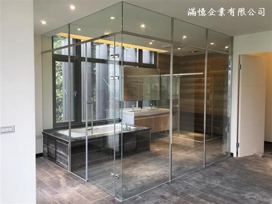 衛浴玻璃隔間