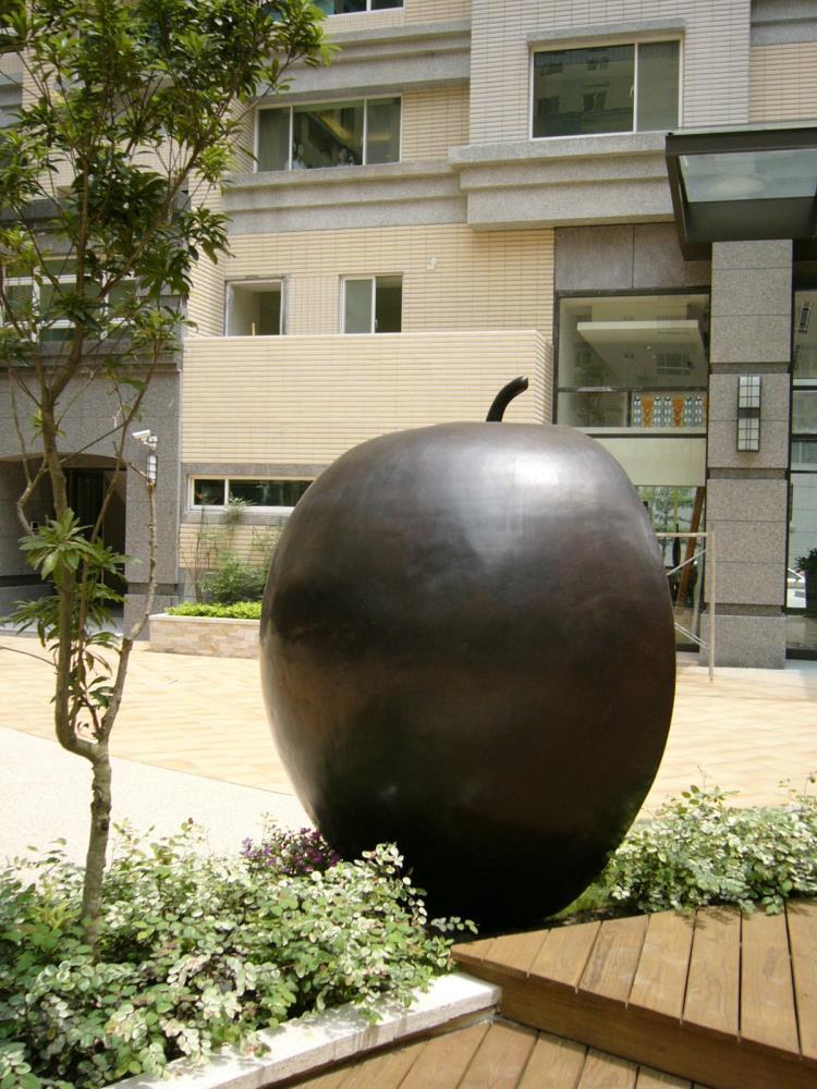 社區中庭藝術銅雕
