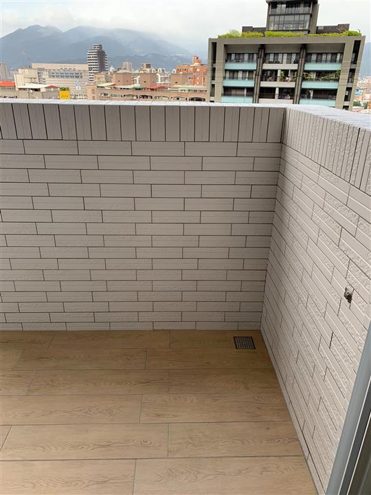陽台外牆泥作砌磚