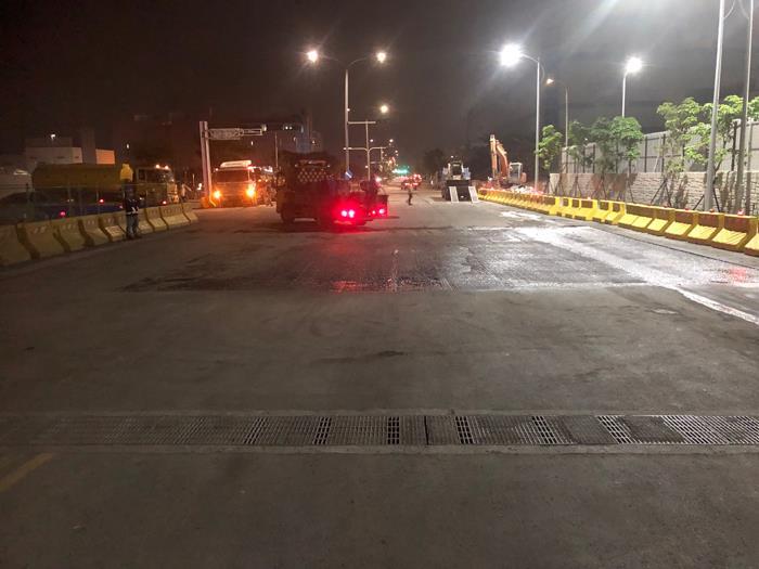 瀝青混凝土施工-夜間施工